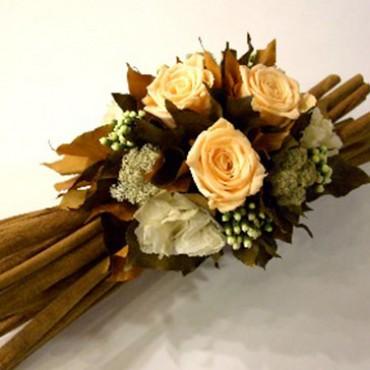 Composizione Rose Stabilizzate Cannella