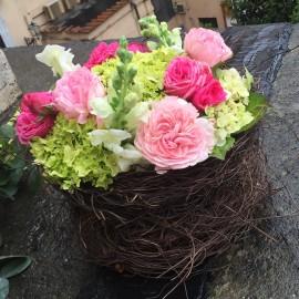 Corso online - Composizione a nido con fiori di stagione