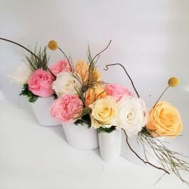 Noleggio composizione rose stabilizzate con vaso allungato