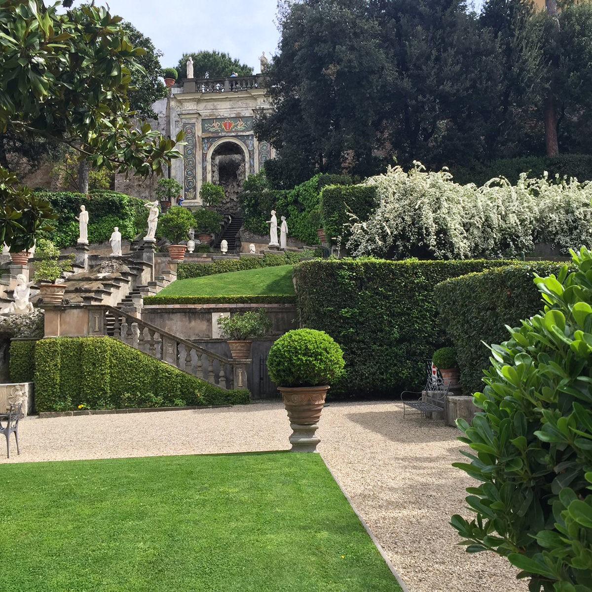 Corso di composizione floreale giardini segreti primavera for Corso progettazione giardini